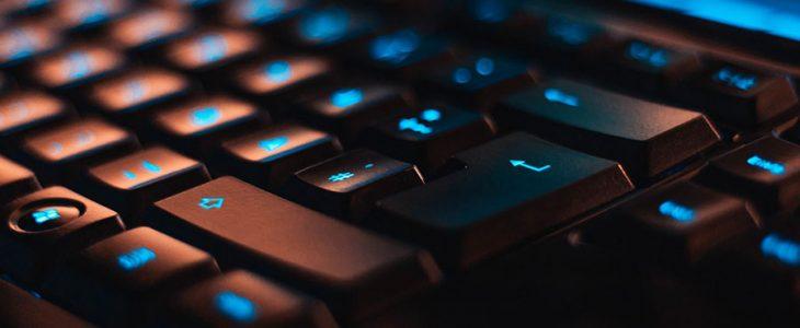 Tips Membersihkan Keyboard Komputer PC